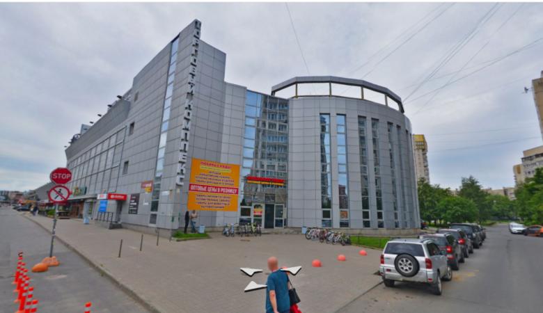 Нежилое помещение 862,7 кв.м. в ТЦ «Вояж» (г. Санкт-Петербург)